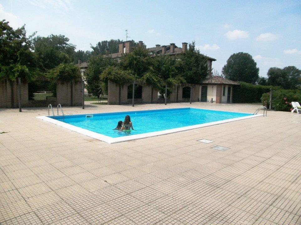 Villa zona tranquilla peschiera borromeo lombardia 0017346 - Piscina peschiera borromeo ...
